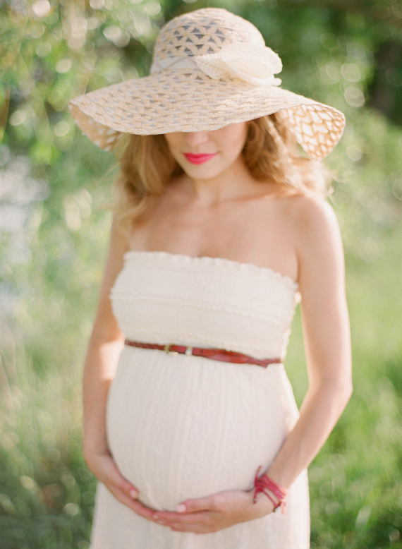 Colorado maternity photography by Laura Murray | 100 Layer Cakelet