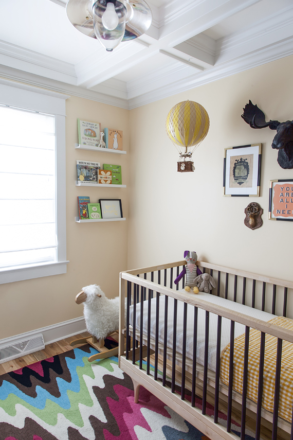 Modern gender neutral nursery and maternity photos for Modern unisex nursery ideas