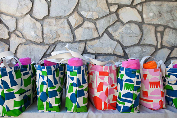 Crafting Community tote giveaway | 100 layer Cakelet