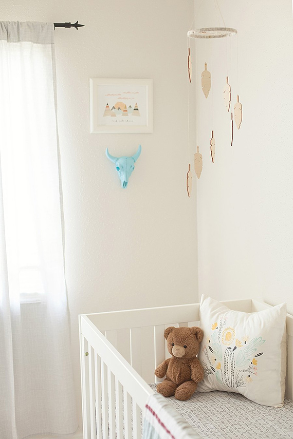 Neutral southwestern nursery design | Fresh Light Photography | 100 Layer Cakelet