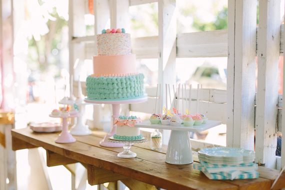 Girl's 1st birthday by Apryl Ann Photography | 100 Layer Cakelet