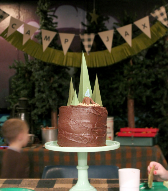 Camping birthday sleepover from Little Frills | 100 Layer Cakelet