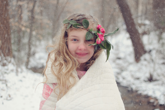 Four sisters snow shoot by Alea Moore | 100 Layer Cakelet