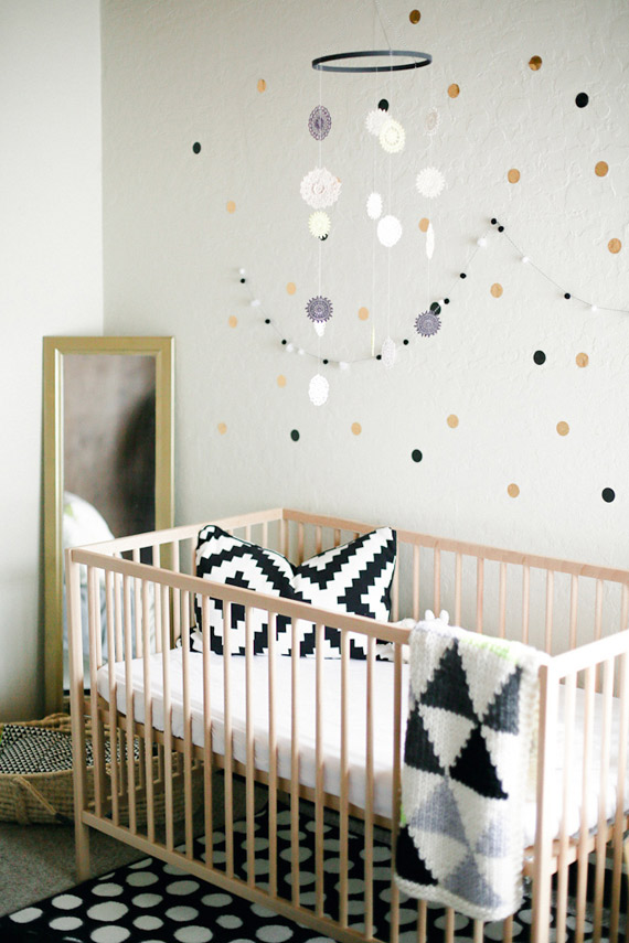Black and white girl's nursery | Julie Cahill Photography | 100 Layer Cakelet