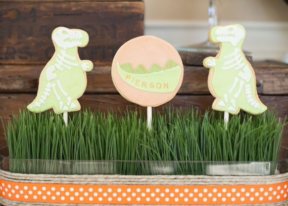 Dinosaur birthday party | Anders Ruff Design | 100 Layer Cakelet