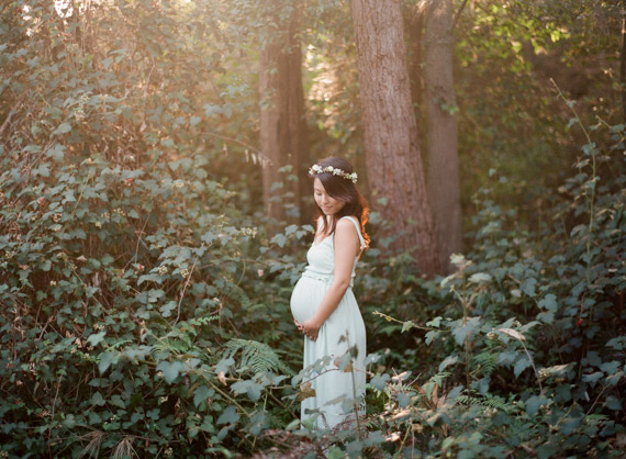 Forest maternity photos in Sydney Australia by Tealily Photography | 100 Layer Cakelet