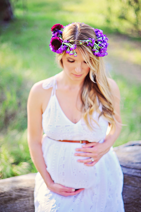 Purple maternity shoot by Arina B Photography | 100 Layer Cakelet
