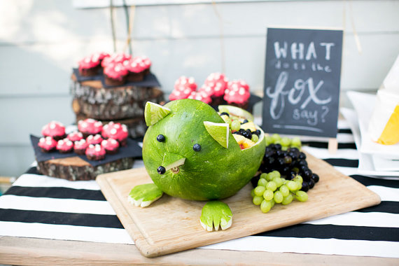 Fox themed 2nd birthday | Alex Michele Photography | 100 Layer Cakelet