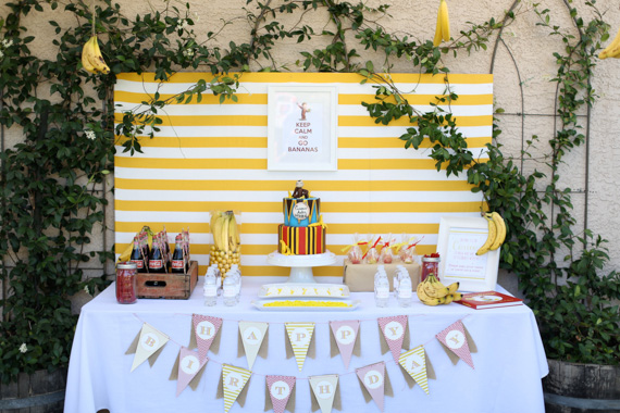 Curious George birthday party | Natalie Ann Photography | 100 Layer Cakelet