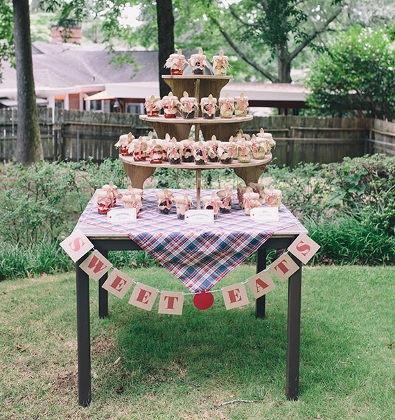 Atlanta backyard baby shower | Tin Can Photography | 100 Layer Cakelet