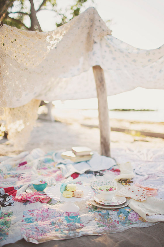 Beachside Tea Party by Simply Rosie Photography | 100 Layer Cakelet