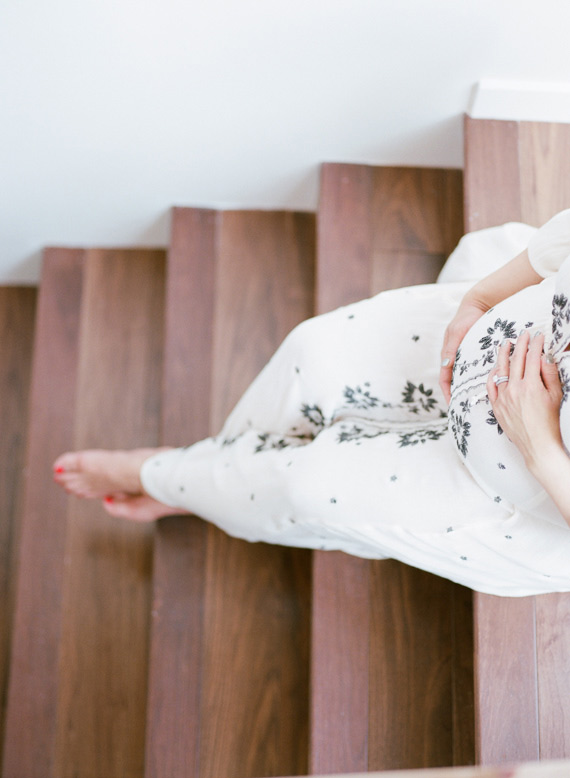 Modern maternity photos from Erin Hearts Court | 100 Layer Cakelet