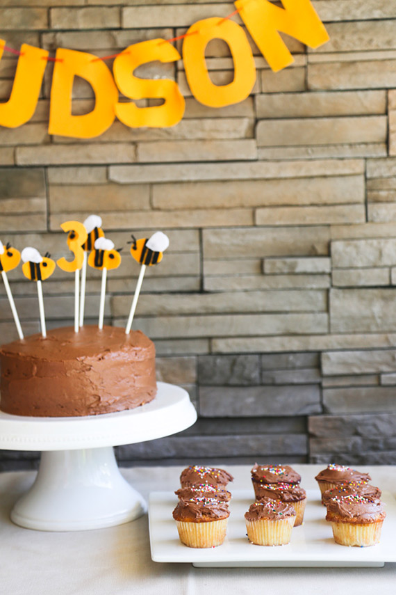 Bug-themed 3rd birthday from Ashely Muir Bruhn | 100 Layer Cakelet