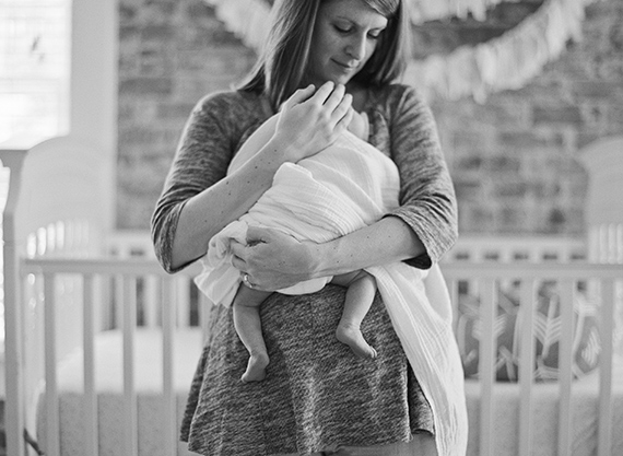 Newborn photos by Mandy Busby | 100 Layer Cakelet