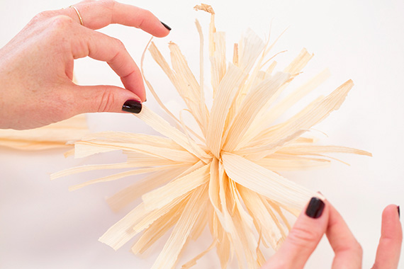 DIY corn husk poms | photos by Scott Clark | 100 Layer Cakelet