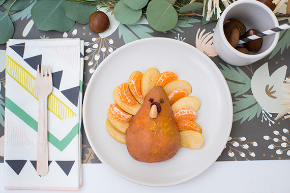 Thanksgiving kids table ideas | Scott Clark Photo | 100 Layer Cakelet