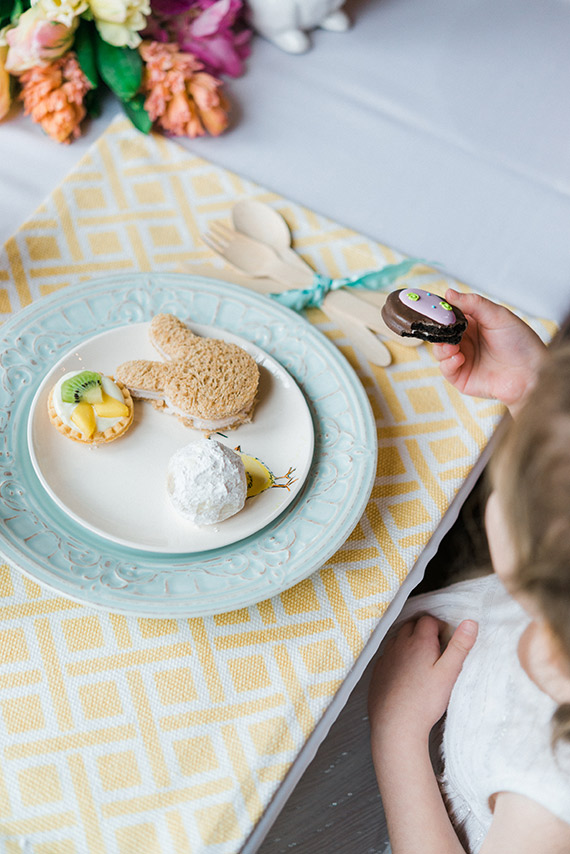 Easter kids' table inspiration from Baby Bow Tie | Dyan Kethely Photography | 100 Layer Cakelet