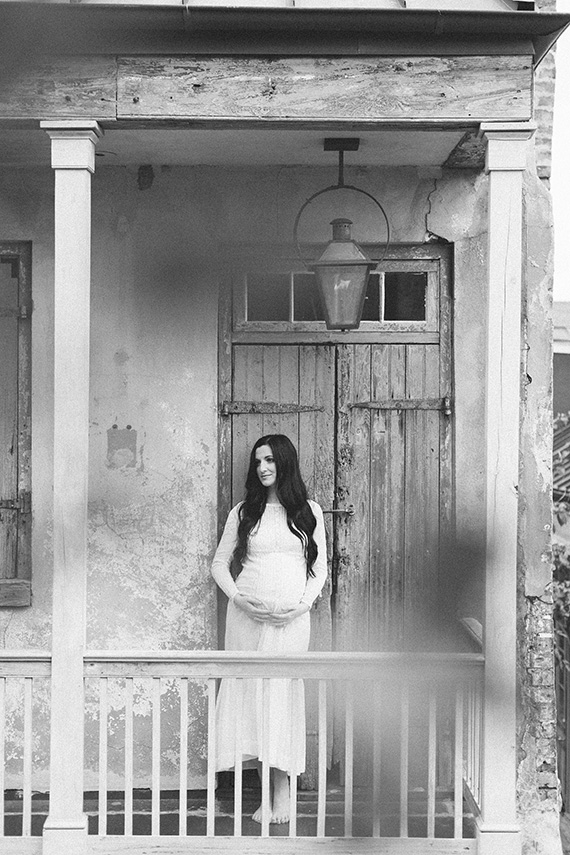 New Orleans maternity photos by Ashleigh Jayne Photography | 100 Layer Cakelet