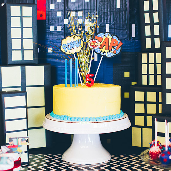 Super hero birthday party by Orange Blossom Special Events | Photos by Pamela Walworth | 100 Layer Cakelet