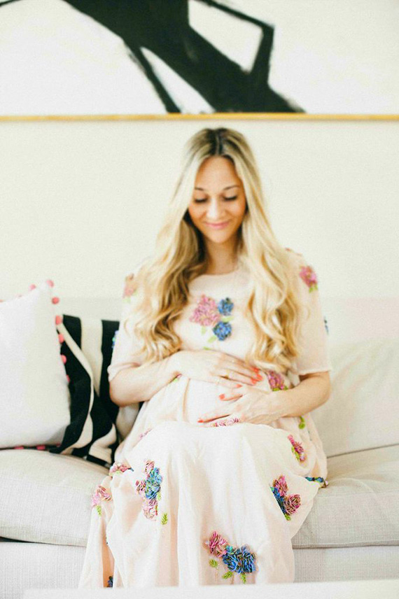 Spring maternity photos in Beverly Hiills by Alex Steele Photography | 100 Layer Cakelet
