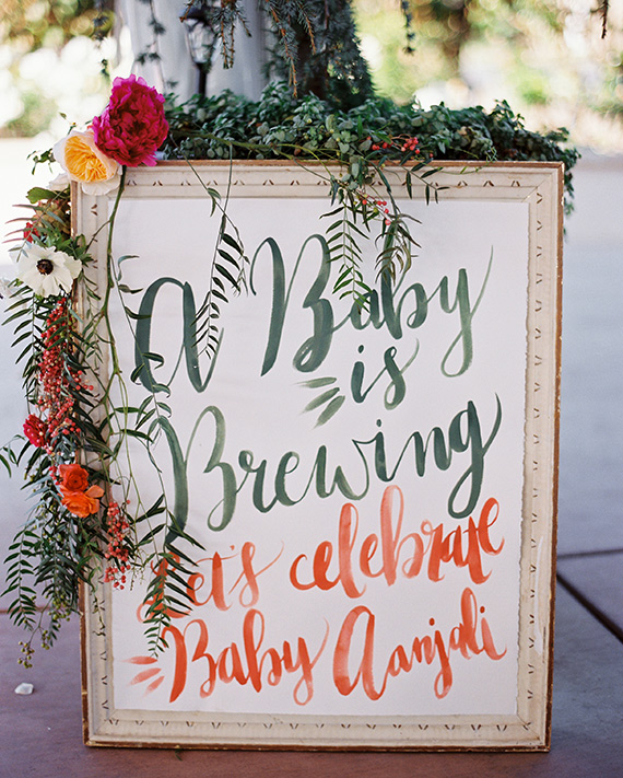 Floral, vineyard baby shower by Gigi Mallatt Events | Photos by Colleen Riley Photography | 100 Layer Cakelet