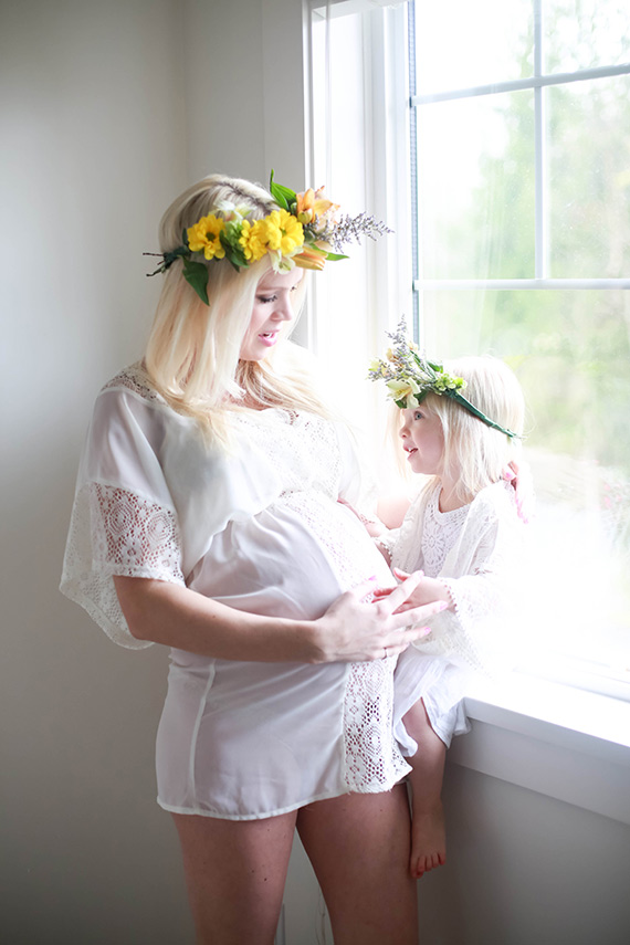 Mother-daughter twin maternity shoot | What Dreams May Become Photography | 100 Layer Cakelet