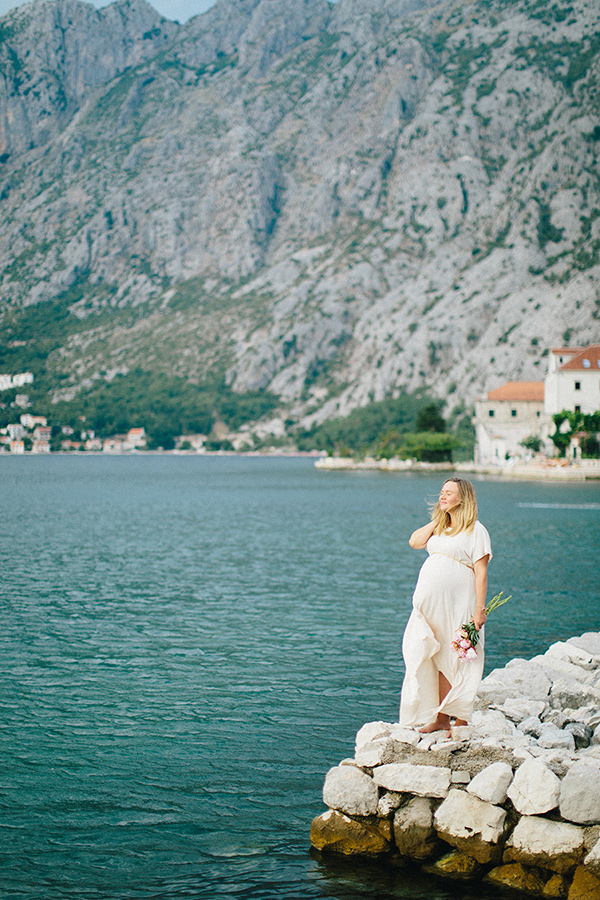 Montenegro maternity photos by Sonya Khegay