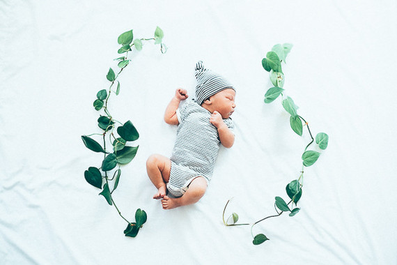 modern newborn photos