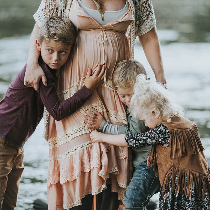 rustic bohemian maternity photos