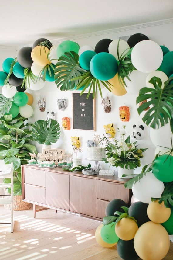 Jungle themed 1st birthday party | Best Birthday Ideas of 2017 on 100 Layer Cakelet