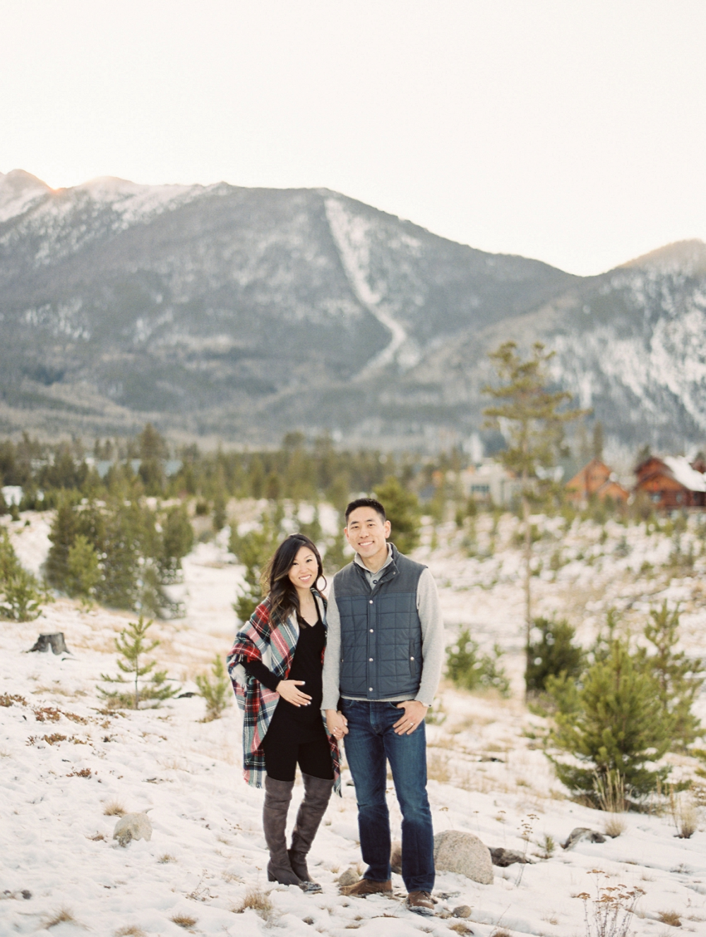 Dani-Cowan-Photography-Snowy-Colorado-Mountain-Maternity-Photoshoot12_WEB