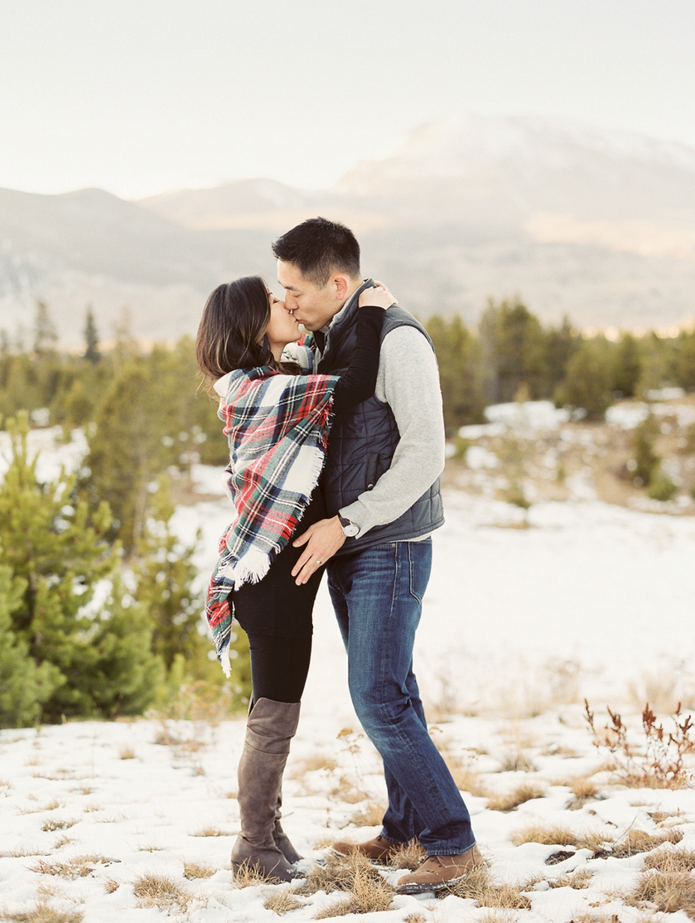 Dani-Cowan-Photography-Snowy-Colorado-Mountain-Maternity-Photoshoot31_WEB
