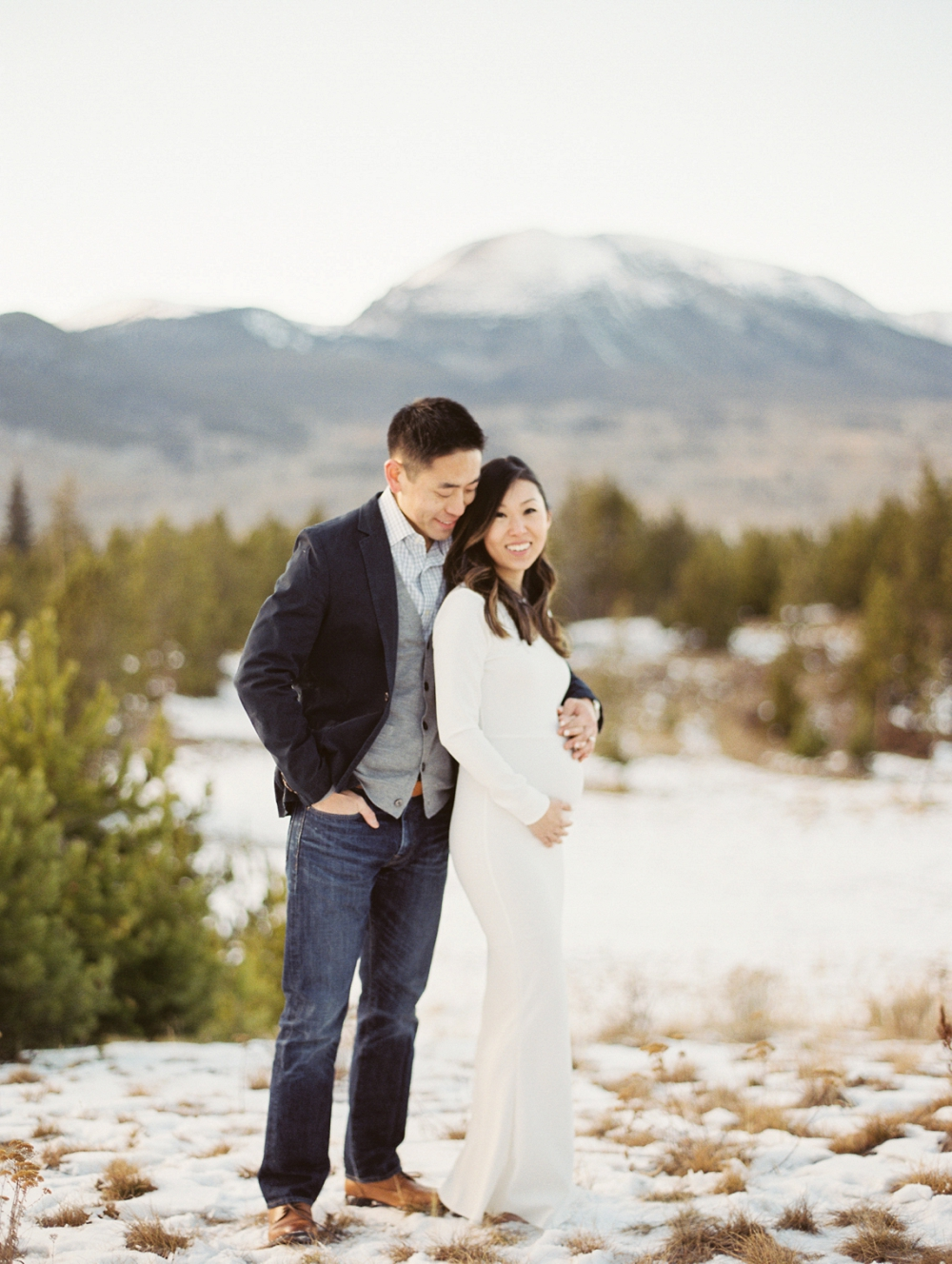Dani-Cowan-Photography-Snowy-Colorado-Mountain-Maternity-Photoshoot55_WEB