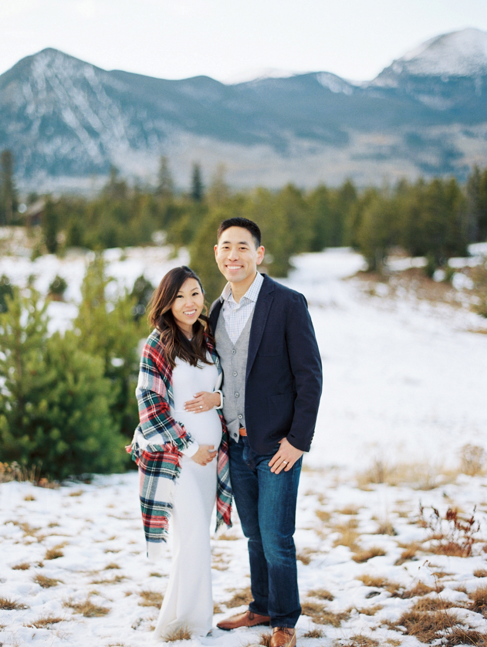 Dani-Cowan-Photography-Snowy-Colorado-Mountain-Maternity-Photoshoot57_WEB