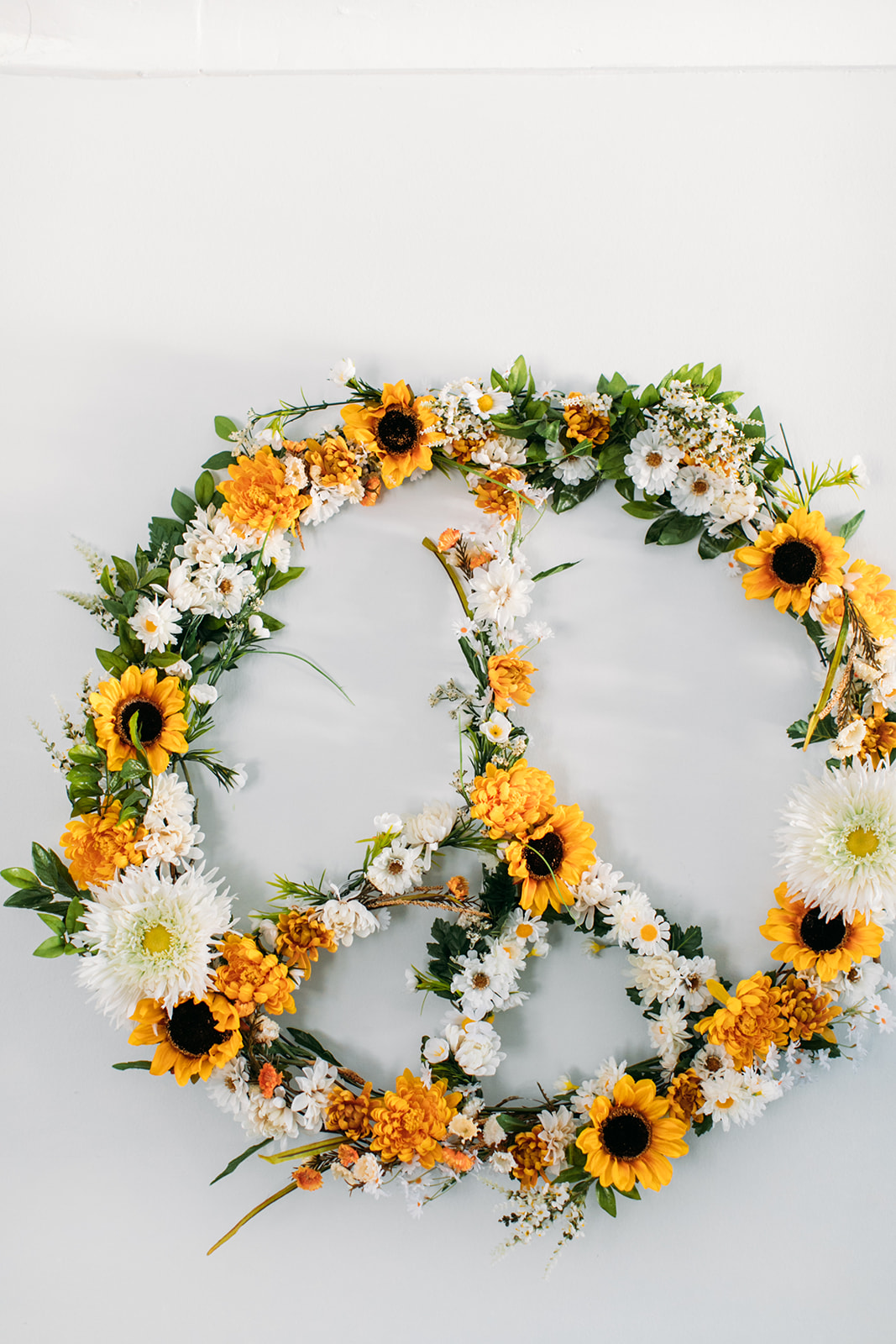 DIY flower peace sign